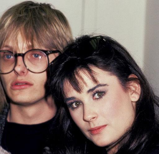 Demi Moore soyadını hala taşıdığı Freddy Moore ile evlendiğinde 17 yaşındaydı.