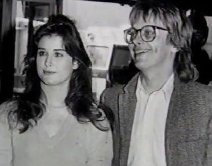 Çift boşandı ama Moore, hala ilk eşinin soyadını taşıyor.