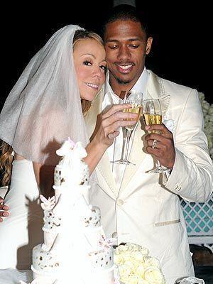 İki çocuklarına rağmen çiftin evliliği fazla uzun sürmedi. Carey son bir buçuk yıldır Avustralyalı milyarder işadamı James Packer ile birlikte.