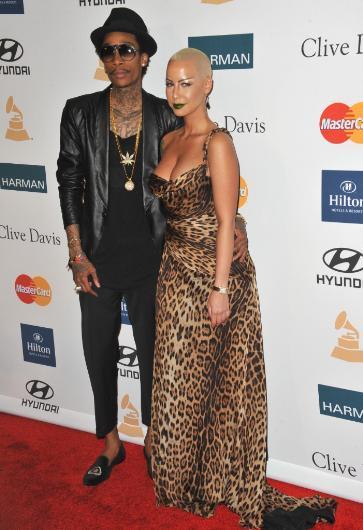 İddia o ki Amber Rose da Wiz Khalifa ile hem para kazanmak hem de şöhret elde etmek için evlendi. Söylentilere bakılırsa Rose amacında da başarılı oldu.