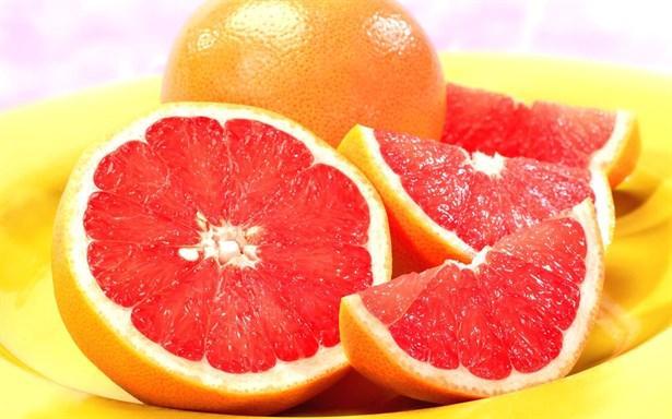 Greyfurt  Yüksek oranda C vitamini içeren greyfurt bağışıklık sisteminin aktivasyonunu artıran flavonoidler içerir.