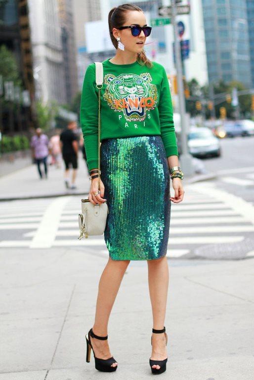 #Kural 8: Parlak, metalik ve dikkat çekici parçalar sadece özel günlerde giyilir.  Kim demiş? Sizin hayal gücünüz onları gündüz kombinlemeye yetiyorsa, kim size engel olabilir ki?  Cevap: Hiçkimse! ✌✌✌