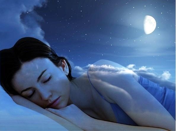 Almanya Manheim Üniversitesi'nde yapılan bir araştırma, uyku sırasında koklanan kokuların rüyaları etkilediğini ortaya çıkardı!