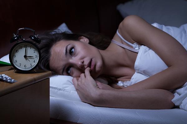 Uyumadan önce bu tip gıdalar yemen, uykunun bölünmesine, rüya gördükten sonra 5 dakika içinde uyanıyor olman ise rüyayı net bir şekilde hatırlamana sebep oluyor.
