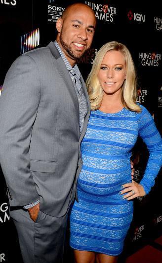Bir zamanların Playboy kızı Kendra Wilkinson ile eski kocası Hank Baskett ise Meksika tatili sırasında bir jet ski'nin üzerinde sevişmişler.