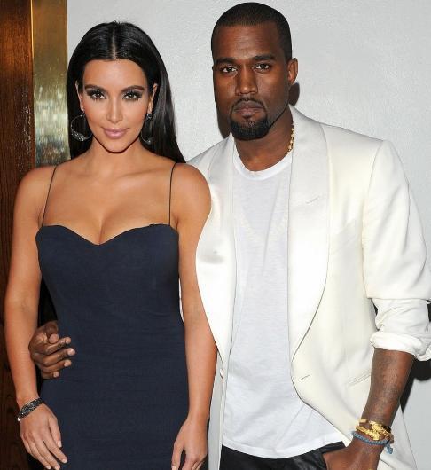 Tabii bu bile söylentileri durduramadı. Kardashian'ın parayı çok sevdiği için West ile evlendiği de konuşuldu uzun süre. Hatta West'in kariyerinin Kim Kardashian ile evlendikten sonra kariyerinin tepetaklak olduğu da ileri sürüldü.  Ama onlar da boşanacaklarına dair bir belirti sergilemiyor.