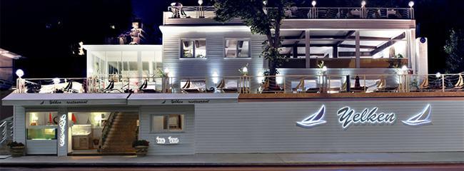 """Yelken Restaurant   Balık tutkunlarının vazgeçilmez mekanı Yelken Restaurant, aşk dolu bir menü hazırladı. Boğaz'ın en şık lokasyonlarından Yeniköy'de konumlanan Yelken, Akdeniz mutfağının farklı lezzetlerini sunuyor. Özel tatlısıyla da keyifli bir son hazırlayan mekan, sevdiklerinize verdiğiniz değeri pekiştiriyor.  Adres: Köybaşı Cad. No:58, Sarıyer-İstanbul Telefon: (0212) 262 94 90  <a href=  http://foto.mahmure.com/yasam/sevgililer-gunu-icin-otel-onerileri-ve-fiyatlari_40259 style=""""color:red; font:bold 11pt arial; text-decoration:none;""""  target=""""_blank""""> Sevgililer Günü İçin Otel Önerileri ve Fiyatları"""