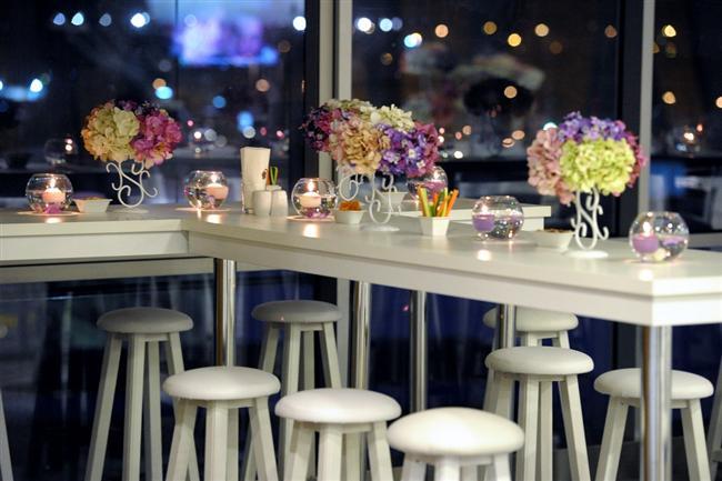 DoubleTree by Hilton Moda  Jakuzili odalarda romantik müzikler eşliğinde sevgilinizle romantik bir gece geçirme fikri kulağınıza nasıl geliyor? Bir gün için şehrin ortasında tüm o kargaşadan uzak afrodizyak lezzetler ve romantik müzikler eşliğinde harika bir gece geçirmek isterseniz DoubleTree tüm isteklerinizi karşılayabilir.  Adres: Caferağa, Albay Faik Sözdener Cad. No:31 Kadıköy-İstanbul Telefon: (0216) 542 43 44