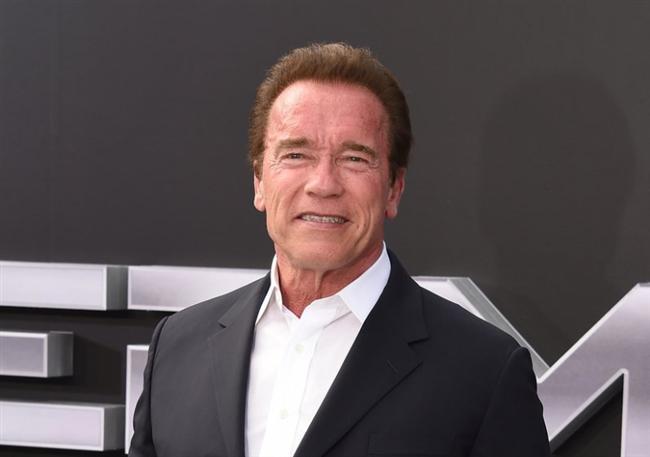Arnold Schwarzenegger  Snapchat: arnoldschnitzel