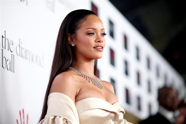 Rihanna  SnapChat: Rihanna