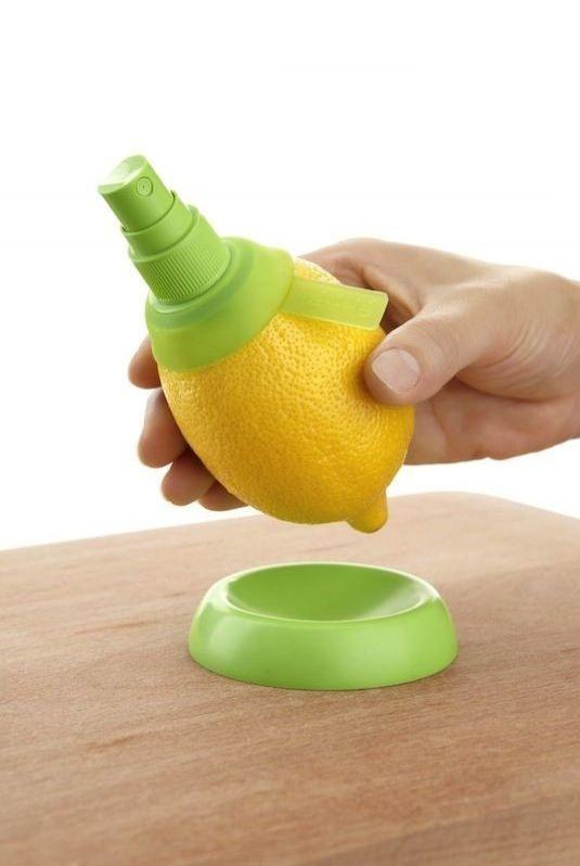 Limon Spreyi  Bu alet yardımı ile turunçgillerinizin içinden sıvıyı doğrudan alıp kullanma şansınız var.