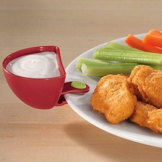 Sos Pensi  Bu mini kapları tabaklarınızın kenarına takıp, soslarınızı tabağa yayılmadan kullanabilirsiniz.