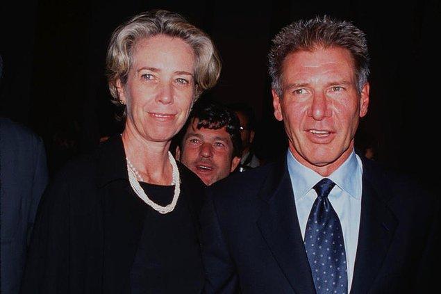 Bir yastığa baş koyup daha sonra yollarını ayırmaya karar veren ünlü insanların, boşanma kefaretleri hayli yıpratıcı olabiliyor. Bu listede size boşanmak isteyen zengin insanların, bunun uğruna eski eşlerine ödedikleri milyon hatta milyar dolarlardan bahsedeceğiz.  Harrison Ford ve Melissa Mathison – 85 Milyon $  Star Wars serisinin ilk filmiyle birlikte yıldızı daha da parlayan ve birçok efsane filme imza atan Harrison Ford, ilk iş olarak 14 yıllık eşi Mary Marquardt'dan ayrıldı. O dönem yine kendisi gibi bir anda inanılmaz bir üne kavuşan E.T'nin yazarı Melissa Mathison ile evlendi. Tam 23 yıl süren bu evliliğin sonunda ayrılmak isteyen Ford, eşine tam 85 milyon dolar ödedi.