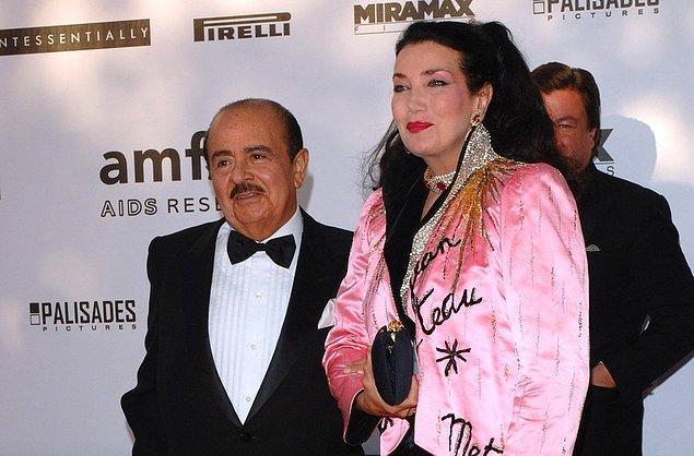 Adnan Kaşıkçı ve Soraya Kaşıkçı – 874 Milyon $  Suudi Arabistanlı silah tüccarı Adnan Kaşıkçı 21 yıllık İngiliz eşi Süreyya'dan 1982 yılında çok harcama yapıyor gerekçesiyle ayrıldı. Bu boşanma sonunda eşi Süreyya'ya 874 milyon $ ödedi. İşin ilginç kısmı 874 milyon $ Süreyya hanıma yetmemiş ve 2007 yılı itibari ile servetinin tükendiğini ilan etmiş.