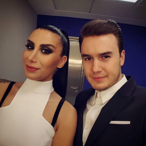 Mustafa Ceceli  Bacım hayırlı olsun yeni albüm #Dantel @iremderici ☺😊😊