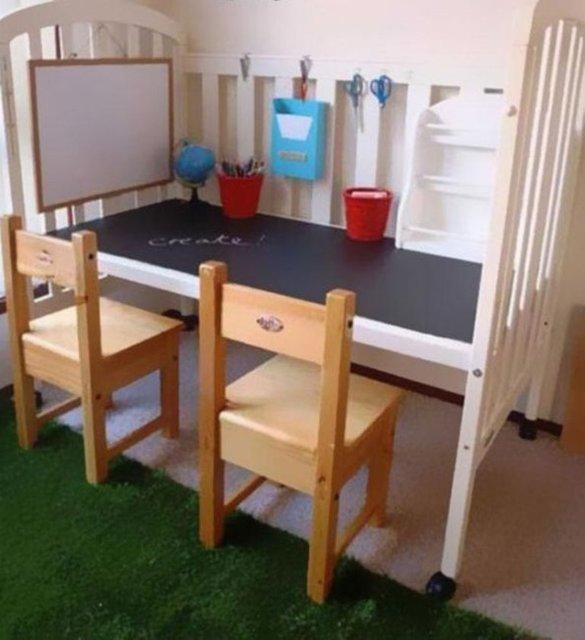 Büyüyen çocukların beşiğinden kullanışlı bir masa...