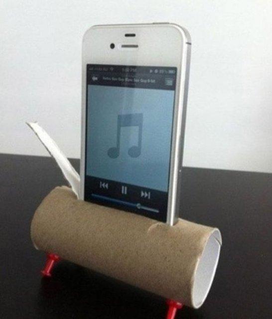 Hoparlörden konuşmak ya da telefondan müzik dinlemek için tuvalet kağıdından basit ve kullanışlı aparat...