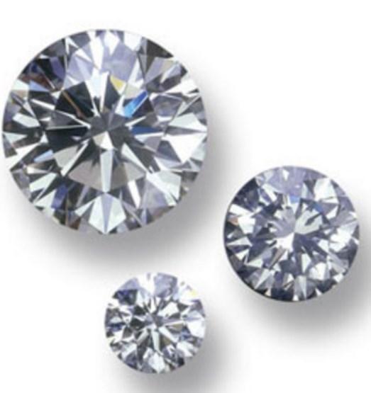 Değerli taşların çoğu birkaç elementten oluşur, sadece pırlanta tamamen karbondan oluşur.