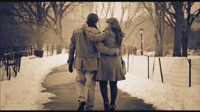 Teselli ilişkisi  Belki sadece bir tarafın belki de iki kişinin de zorlu bir ayrılık sürecinin ardından başladığı ilişkilerin amacı genellikle teselli bulmaktır. Çivi çiviyi söker diye düşünüp bu zorlu süreci başka bir aşkla atlatmaya çalışmak çok sağlıklı olmasa da bazen işe yarayabilir. Ancak böyle bir ilişkinin çok uzun sürmeyeceğini baştan kabullenmek gerekir. Daha eski ilişkinin sıkıntılarıyla yüzleşmeden yeni bir ilişkiye başlamak, eski sıkıntıların tekrarlanması için bir kapı açabilir, dikkat!