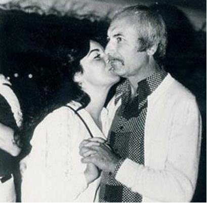 """FATMA GİRİK- MEMDUH ÜN  Onlar 40 yılı aşkın süredir birlikteler.. Hiçbir zaman resmi olarak evlenmediler. Ama neredeyse yarım asır boyunca bir yastığa baş koydular. Bu büyük aşkın kahramanları Fatma Girik ve Memduh Ün... Yeşilçam'ın usta yönetmeni ve Türk sinemasına damga vuran """"boncuk gözlü"""" Fatma Girik'in aşkının geçmişi ünlü oyuncunun henüz 13 yaşında olduğu döneme kadar uzanıyor."""