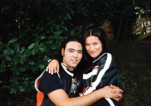 Ebru Şallı - Ozan Orhon  Fırtınalı bir aşk yaşayan çift kısa sürede evlenip, şaşalı günler geçirmişti. Kısa süre sonra boşanan çift, maalesef arkadaş olmayı beceremeyip birbirleriyle medya yoluyla sürekli kavga edip, birbirlerini kırmıştı.