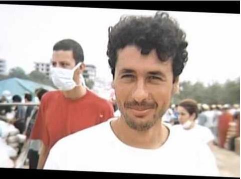 2000 - AKUT üyesi İskender Iğdır, 4900 metreden uçuruma düşerek öldü.