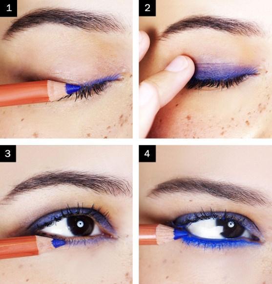 Lacivert Eyeliner Makyajı Nasıl Yapılır?  Adım 1 Göz kapaklarına mavi göz kalmei uygulayın..  Adım 2: Parmağınız yardımıyla kalemi dağıtın.  Adım 3: Gözünüzün içine daha canlı bir mavi kalem çekin.