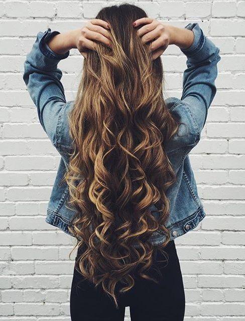 Yengeç   Son derece duygusal ve idealist bir yapıya sahipsiniz. Ayrıca mesafeli bir insan olduğunuzdan herkesin size kolayca yaklaşmasına izin vermezsiniz. Bu yüzden, yerine göre gözlerinizdeki anlamı çevrenizden gizleyebilmeniz için uzun saçlarınız olmalı.