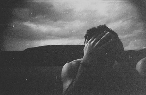 Öyle ki, gerçek yaşam ile yüz yüze geldikleri zaman, hayallerinden kopmak zorunda olmanın acısını çekerler.  Onlar için yeryüzündeki en acı şey gerçekliğin kendisidir çünkü gerçeklik sıkıcıdır, bayattır, durgundur, mantık arar ve duyguları arka plana iter. Gerçekliğin kurdukları hayaller ile bir alakası olmadığını görürler ve bu nedenle oldukça acı çekerler. Bu durum, balıkların ne kadar duygusal insanlar olduklarının en net örneklerindendir.