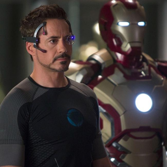 ROBERT DOWNEY JR.  Downey, Oscar adayı olmuş aynı zamanda BAFTA ve Altın Küre ödüllerine ulaşmıştır.