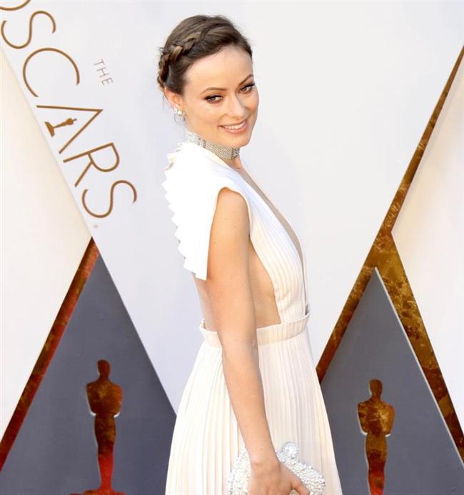 Oscar'ın En Kötü Kırmızı Halı Kıyafetleri - 4
