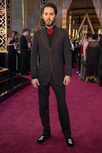 Oscar'ın En Kötü Kırmızı Halı Kıyafetleri - 16