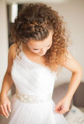 Kıvırcık Saçlılar İçin Düğün Saçı Modelleri - 9