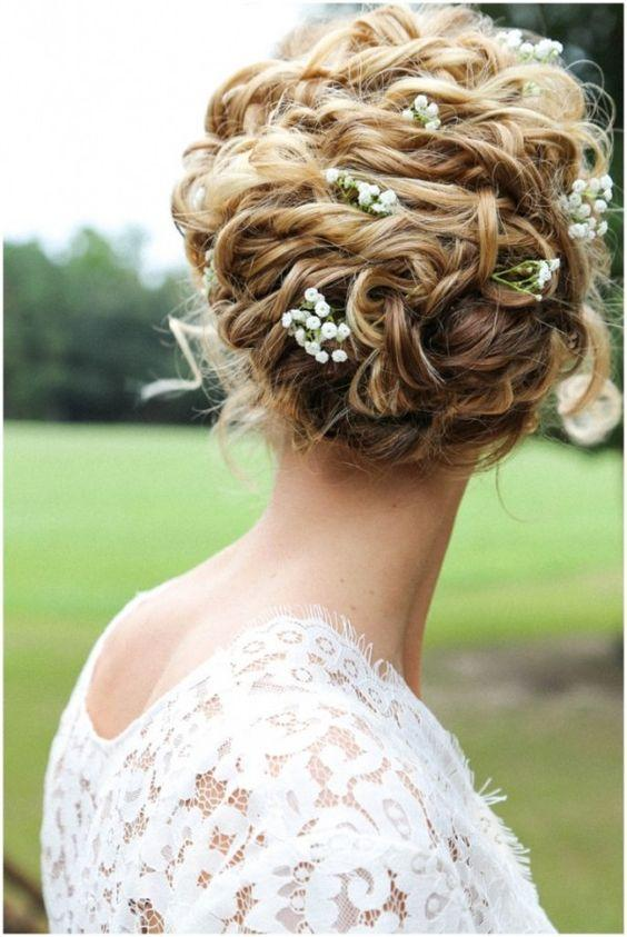 Kıvırcık Saçlılar İçin Düğün Saçı Modelleri - 2