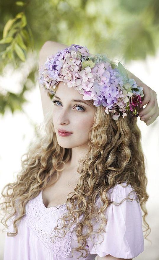 Kıvırcık Saçlılar İçin Düğün Saçı Modelleri - 5