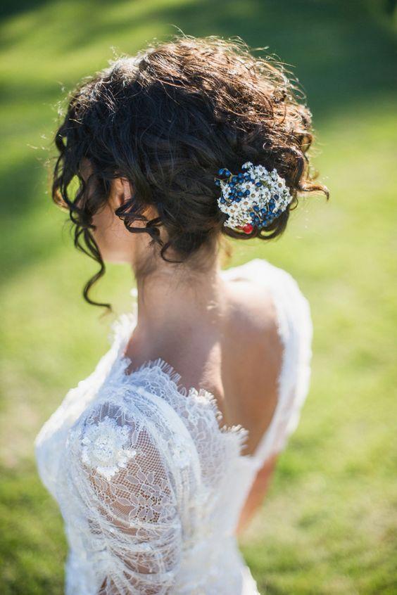 Kıvırcık Saçlılar İçin Düğün Saçı Modelleri - 3