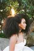Kıvırcık Saçlılar İçin Düğün Saçı Modelleri - 15