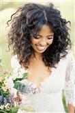 Kıvırcık Saçlılar İçin Düğün Saçı Modelleri - 11