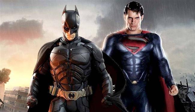 Batman ve Superman: Adaletin Şafağı (2016) Vizyon Tarihi: 25 Mart 2016  Dünya gerçekte ne tür bir kahramana ihtiyaç duyduğuna karar vermek için çabalarken, Tanrı gibi kontrolsüz hareket eden Süper Kahraman'ın eylemlerinden duyulan endişe, Gotham Şehri'nin sahip olduğu, zorlu ve güçlü, ama yasa dışı, gönüllü koruma görevlisini, Metropol'ün modern zamanlardaki en saygı değer kurtarıcısı yapmıştır. Böylece Batman ve Superman'in arasındaki savaşla, yeni bir tehdit yükselir; insanlık şimdiye kadar görülmemiş büyük bir tehlikeyle karşı karşıyadır.