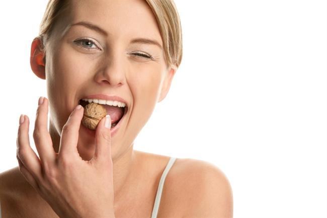 Batının tipik beslenme şekline eklenen cevizin, sperm canlılığı, hareketliliği ve morfolojisinde iyileşme sağladığı belirlenmiştir. (Robbins, 2012)