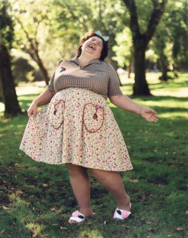 -Şişmanlığımdan dolayı rahatsızlık duymuyorum fakat etrafımdaki herkes zayıflamam gerektiğini söylüyor. Her insan zayıf olmak zorunda mıdır?  'Zayıflamak istemeyen kilolarından memnun olan şişman bireyler periyodik olarak mutlaka bir sağlık kuruluşuna başvurarak tıbbi açıdan izlenmelidir…'