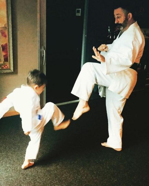Cem Yılmaz  Karate'ye özenmek Yut-kune-do !