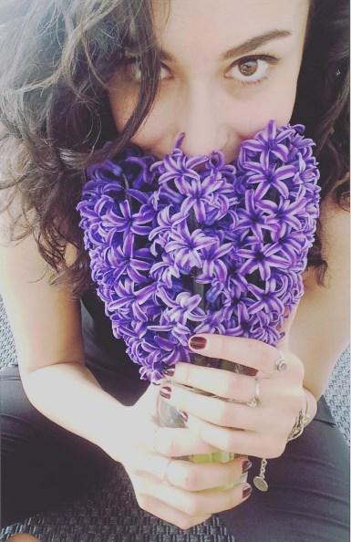 Hande Doğandemir  içinde çiçekler mi açıyordu? ☺️🌸