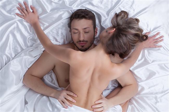 Porno etkisi  Yatakta enerjinin dozunu artırmak için porno filmler izlemek elbette kötü bir fikir değil. Fakat şunu söylemekte yarar var; porno yıldızları gibi davranmaya kalkmak yapılan en büyük yanlış. Bu film sizin sadece yaratıcılığınızı artırmalı. Eğer orada yaşananların aynısını yaşayacağınızı düşünüyorsanız hayal kırıklıkları söz konusu olabilir. İlham almakta ise elbette bir sakınca yok.