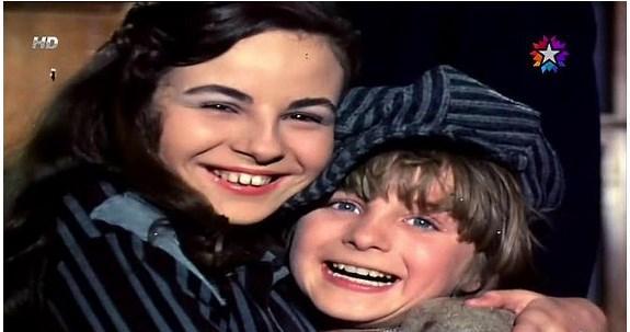 Ömercik   Filiz Akın gibi aktrislerin oğlu ya da serseri çocuk rolünde görürüz. Karakteri Ömer Dönmez canlandırır.