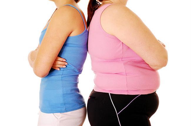 """Leptin vücutta açlık ve tokluk duygularını kontrol eden ana hormondur. Leptin yağ dokusu tarafından salgılanır, yani; fazla kilolu bir kişi genellikle yüksek leptin düzeyine sahiptir.  <a href=  http://foto.mahmure.com/diyet-fitness/yag-yakimini-hizlandiran-10-besin_39929 style=""""color:red; font:bold 11pt arial; text-decoration:none;""""  target=""""_blank""""> Yağ Yakımını Hızlandıran 10 Besin"""