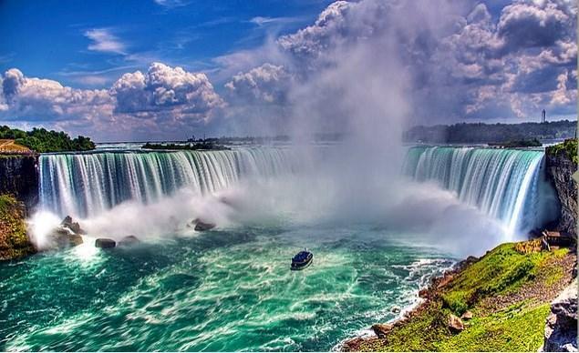 Niagara Şelalesi'nin fotoğraflarıyla yetinmediğiniz için pişman olursunuz.