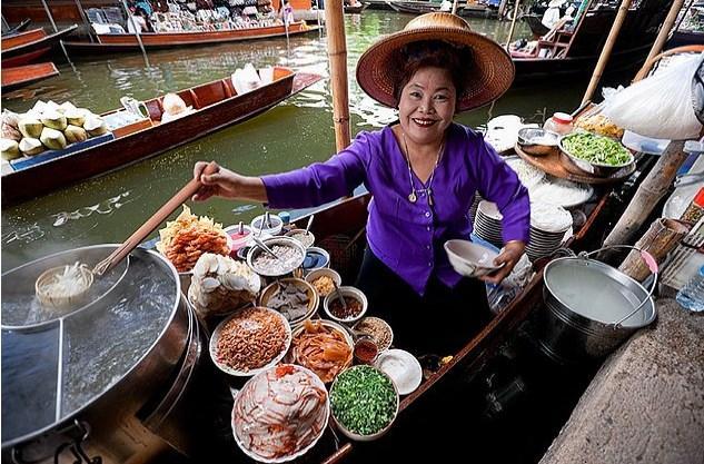 Bangkok'a gidip Tayland'ın geleneksel yiyeceklerini denemeyi hep çok istemişseniz, üzülürsünüz.
