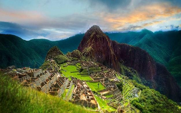 Peru'ya gideyim de nefes kesen Machu Picchu manzarasını göreyim dersiniz?