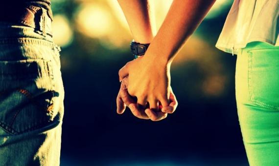 ACİL  Acil durumda aranacak insan olun. Hiçbir şey, bir ilişkinin akıbetini, aniden ortaya çıkan can sıkıcı bir durum kadar iyi tayin edemez.